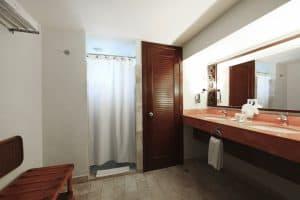 Sandos Caracol Eco Standard Bathroom View